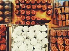P_20160303_133340-01 (maurizio siani) Tags: italy food italia sweet cellulare fantasia napoli naples latte asus cibo cioccolato dolcezza nocciola chocolat telefonino gioia magia fantasie allegria cacao negozi quartiere vomero bont fondente pietanze cioccolattini cioccolate chocoland zuccheri nocciolato snapseed zenfone