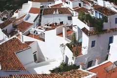 Tejados, azoteas y desvanes (Helena de Riquer) Tags: roofs frigiliana costadelsol mlaga espaa andaluca teulades tejados terrazas azoteas arquitectura pendelasabina mirador paisaje paisatge landscape paysage paisagem vista topf25 helenaderiquer topf50 2013 topf75 interestingness nationalgeographic lonelyplanet toits tetti dcher telhados  view espanya spain espagne topf100 100faves sony sonydsch20 carlzeiss