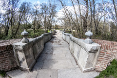 Puente de la Culebra, Casa de Campo de Madrid (ipomar47) Tags: madrid bridge espaa puente casa spain pentax culebra campo baroque sabatini francesco arroyo estrecho barroco casadecampo k20d meaques puentedelaculebra