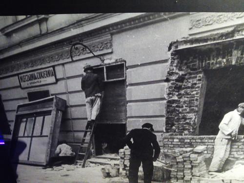 "Fábrica Oskar Schindler, Cracoviaio judío, Cracovia <a style=""margin-left:10px; font-size:0.8em;"" href=""http://www.flickr.com/photos/141744890@N04/25724022173/"" target=""_blank"">@flickr</a>"