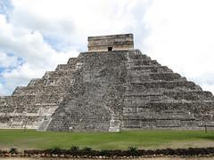 "Chichen Itza: el Castillo <a style=""margin-left:10px; font-size:0.8em;"" href=""http://www.flickr.com/photos/127723101@N04/25958619915/"" target=""_blank"">@flickr</a>"