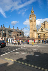 Postal del Londres (Leandro Fridman) Tags: street city urban london tower clock calle nikon torre bigben ciudad londres reloj urbano d60