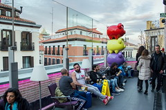 Terrazeando Madrid... (Leo ) Tags: madrid gente terraza tico mercadodesanantn terrazeando