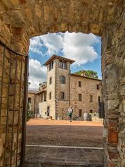 DSCF2293-116 (GienBi) Tags: siena piazza toscana castello cornice arezzo fortezza pietraviva