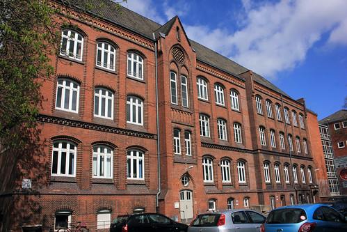 "Alte Muhliusschule (VHS), Kiel (01) • <a style=""font-size:0.8em;"" href=""http://www.flickr.com/photos/69570948@N04/26323824120/"" target=""_blank"">View on Flickr</a>"