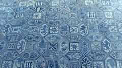 Maioliche (**yukiko**) Tags: san floor blu details via chiesa di napoli carbonara giovanni maioliche