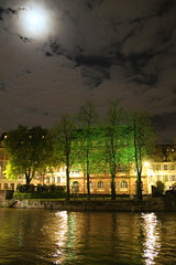 Strasbourg by night_4_IMG_5794 (Hlne (HLB)) Tags: trees light moon france reflection night clouds lune river europe rivire full strasbourg arbres alsace nuages nuit pleine