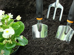 May Maintenance Guide 2016 (jacksonville_homepros) Tags: flowers canada news home garden gardening landscaping soil horticulture planting remodeling spade handtools gardentools flowerbeds trowel springannuals gardensoil forkdigging