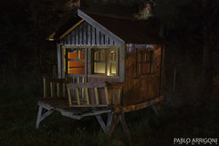 Little House (Pablo Arrigoni) Tags: wood windows light house night canon eos rebel noche casa madera little 1855 xsi