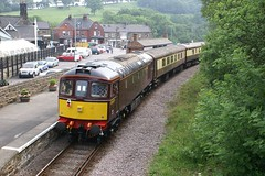 33029 Grosmont. 17.06.2006. (Laurie Mulrine) Tags: grosmont class33 33029