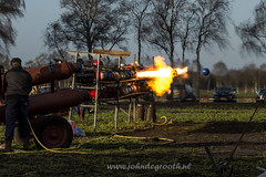 Carbidteam Vledderveen (2015-2) (John de Grooth) Tags: nikon groningen fullframe 28300mm d610 stadskanaal carbid carbidschieten vledderveen nikonafs28300mmf3556gedvr