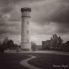 The lighthouse (François-Joseph76) Tags: lighthouse france landscape january honfleur paysage normandy janvier phare calvados 景色 2016 一月 诺曼底 灯塔 instanormandy ✨in✨ 法国,normandie