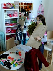 An Armful or Three - Whitney (rata-tat-tat) Tags: dolldiorama barbiediorama poppyparker dynamitegirlssooki