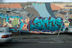 West Oakland Street Art (takasphoto.com) Tags: sanfrancisco california city cidade streetart art northerncalifornia night america lens graffiti oakland noche berkeley lowlight mural cityscape fuji arte dusk earth kunst citylife kitlens lifestyle ciudad sanfranciscobayarea bayarea noite northamerica fujifilm invierno eastbay sfbayarea nightview norcal graffito emeryville nuit fujinon sfbay alamedacounty highiso estadosunidos portofoakland gatukonst eeuu artecallejero arteurbano arteurbana gatekunst californien arturbain katutaide kuns  californiastate mirrorless  fujinonlens etatsunis  californie  mirrorlesscamera   fujifilmxa1 fujifilmxc1650mmf3556oiszoomlens fujinonxserieslens fujinonxc hoaky  nghethuat