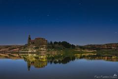 Reflejos (Paco Fuentes Vicario) Tags: moon lake night river landscape moonlight ermita nocturno montamarta