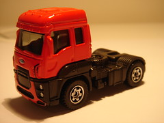 MATCHBOX 2013 FORD CARGO NO2 1/64 (ambassador84 OVER 5 MILLION VIEWS. :-)) Tags: ford matchbox diecast fordcargo