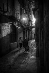 ... por la mañana temprano ... (franma65) Tags: barcelona street bw byn blancoynegro lucesysombras callejeando por callejuela sigma1020ex
