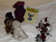 Storytime (zaramcaspurren) Tags: stuffedtoy plush plushies teddybear stuffedanimals stuffedtoys teddies teddybears softtoy plushtoy softtoys plushtoys charliebears