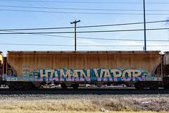 (o texano) Tags: bench graffiti texas houston trains human sws d30 vapor wh gtb freights a2m benching adikts