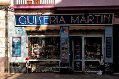 Un establecimiento con solera (Egg2704) Tags: zaragoza aragón españa spain dibujandomibarrio fachada fachadas comercio comercios establecimiento establecimientos tienda quiteriamartín egg2704 world100f