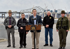 Governor Cuomo Delivers Update on State's Response to Tugboat Accident and Fuel Spill on Hudson River (governorandrewcuomo) Tags: newyork newyorkstate barge sinks westchestercounty tarrytown tappanzeebridge tugboatsinking governorandrewmcuomo newnybridge nysdecpoliceltmegfilmer nyspsuperintendantjosephdamico tugboataccident newnewyorkbride newyorkstatepolicecaptainrichardmazzone