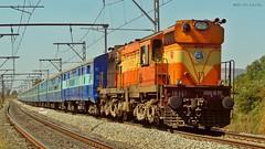 Mumbai LTT - Hubballi Express (AyushKamal2014) Tags: kamshet 16457 erswdm3a mumbailtthubliexpress