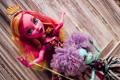 You must be this tall To ride this ride at the carnival (inmortuorum) Tags: monster high doll dolls du honey freak swamp chic mattel 2014 2015 monsterhigh gooliope