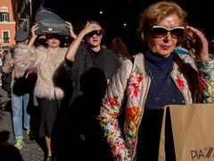 Roma - 2016 (Enzo D.) Tags: people italy sun rome roma italia streetphotography olympus it lazio wwwenzodemartinocom