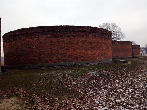 """Auschwitz-Birkenau <a style=""""margin-left:10px; font-size:0.8em;"""" href=""""http://www.flickr.com/photos/141744890@N04/26260373331/"""" target=""""_blank"""">@flickr</a>"""