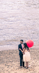 16/30: The red balloon (judi may) Tags: red london beach water thames river couple candid balloon riverthames redballoon canon7d sliderssunday april2016amonthin30pictures