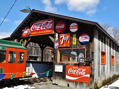 Saint-Jrme - Cabane  sucre Bouvrette (JeanLemieux91) Tags: orange snow canada primavera vintage spring  nieve abril qubec april neige pepsi cocacola crush avril printemps 7up cabane sucre laurentides 2016 saintjrme