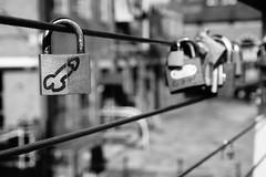 (simonholmes1982) Tags: bridge riverside leeds padlocks