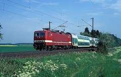 143 818  bei Ulm  17.05.97 (w. + h. brutzer) Tags: analog train germany deutschland nikon dr eisenbahn railway zug trains db locomotive ulm lokomotive 143 243 elok eisenbahnen eloks webru