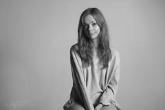 Alice. (yuly9751) Tags: portrait digital canon photo shoot estudio shooting photograpy blackandwithe