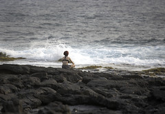 Contemplating the Sunset (dcnelson1898) Tags: travel sea beach hawaii islands unitedstates pacificocean kona hawaiianislands
