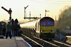 60024 Barnetby Station (DieselDude321) Tags: loco db class signals 60 locomotives semaphore locos dbs schenker barnetby 60024