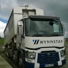 Wynnstay BX64 BZB (Joshhowells27) Tags: lorry wynnstay renault truck llansantffried bulk blower animal feed