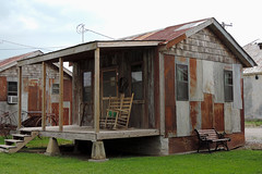 Clarksdale - Hotelroom Shack (Drriss & Marrionn) Tags: usa building architecture buildings mississippi restaurant hotel outdoor blues porch shack hotels shacks bluesmusic clarksdale shackupinn