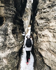 File 29.12.15 19 24 35 (davidsedlacek) Tags: winter snow girl switzerland rocks path wanderlust explore wander iphone followme iphone6