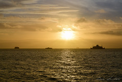 Spitbank Fort & the IOW ferry (caesersaxton) Tags: seascape ferry sunrise fort hampshire portsmouth gosport spitbank