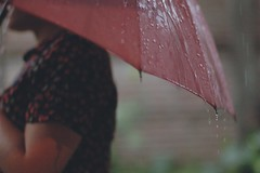 Rain (Tomas Giudici) Tags: pink water rain umbrella drops lluvia agua girlfriend dof bokeh iso rainy figures paraguas