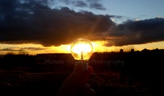 Another Bright Idea (Michelle O'Connell Photography) Tags: sun lightbulb wintersunset glasgow wintersky sunsetting drumchapel drumchapellifesofar michelleoconnellphotography