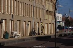DSC01123 (ZANDVOORTfoto.nl) Tags: 28 dak maart 2016 schade ontruiming bakstenen kromboomsveld28316zandvoort ontruimingivmvallendebakstenenendaklekkage kromboomsveld