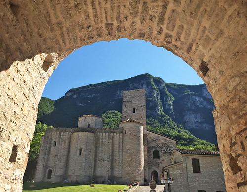 Abbazia San Vittore delle Chiuse