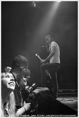 John Coffey @ Vera Mainstage (Dit is Suzanne) Tags: blackandwhite netherlands concert zwartwit availablelight gig nederland groningen vera soldout sigma30mmf14exdchsm views50   img2875 veraclub uitverkocht  beschikbaarlicht canoneos40d johncoffey   veramainstage ditissuzanne 18122015