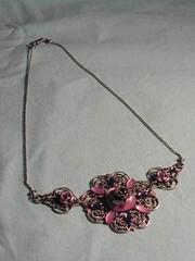 fleurs mauves (fabrikarine) Tags: fleur vintage collier bijoux plastic boucle fou cuivre cabochon doreille
