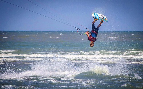 Hua Hin Kitesurfing & windsurfing championship 2016 in Thailand #kite #kitesurf #kitesurfing #wake #water #windsurf #wind #sea #sun #surf #shred #sport #shredbreak #extreme #таиланд #вейк #кайтсерфинг #кайт #экстрим