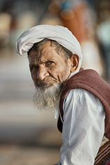 2 (V i c k 3 y) Tags: eye face look waiting portait oldman inocent pepole powerlook