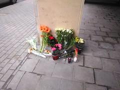 Maelbeek terror attacks comfort flowers, side entrance of the Metro station. (pierre.paklons) Tags: brussels is airport belgium belgique metro islam belgië bruxelles morocco terror brussel zaventem terreur molenbeek maelbeek brusselscapitalofeurope