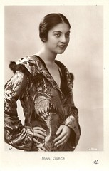 Miss Greece 1931 (Truus, Bob & Jan too!) Tags: beauty fashion female vintage 1930s postcard contest moda beauté miss pageant concours mode bellezza schönheit wettbewerb feminin concorso weiblich femminile misseurope